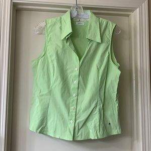Tommy Hilfiger sleeveless button front shirt